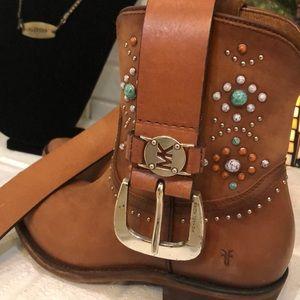 NWT Michael Kors light brown leather belt